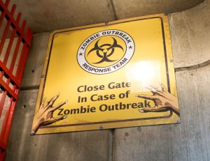 Close_Gate_in_Case_of_Zombie_Outbreak