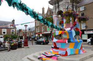 crieff arts festival James square yarn bomb